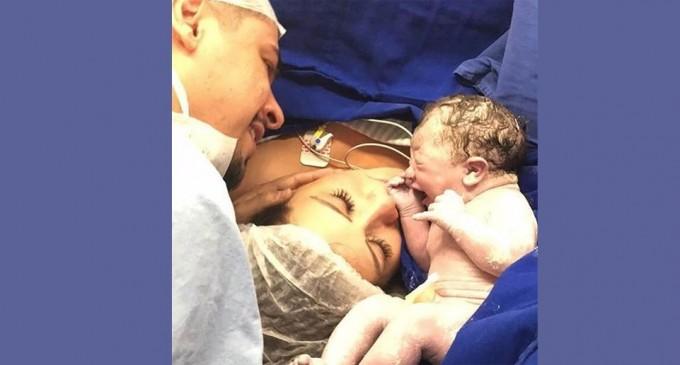 Nasce a primeira filha de Cristiano, dupla com Zé Neto