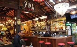Pira Grill agora tem um piano ao vivo para alegrar ainda mais a hora do almoço