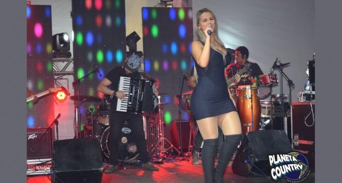 Show de Renata Tardony  no lançamento do Camarote Villa Rodeio na Festa de Peão de Osasco