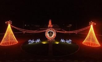 Parque do Peão recebe decoração natalina