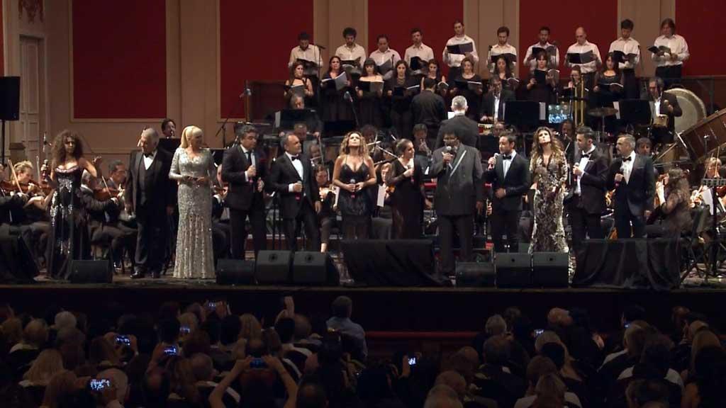 Paula Fernandes canta ao lado de orquestra em evento com grandes personalidades na Argentina 41