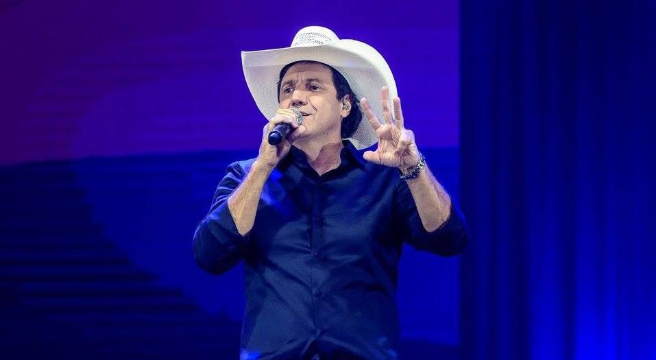 """Juliano Cezar comemora 30 anos de carreira com histórica gravação do 3º DVD """"Minha História"""" 41"""
