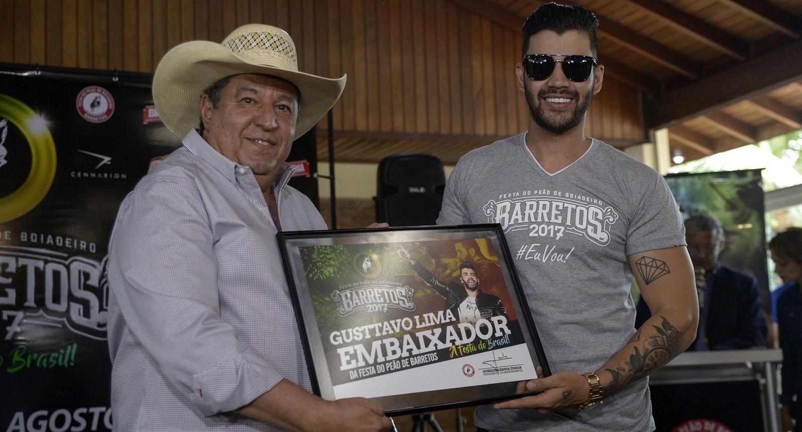 Gusttavo Lima recebe diploma de Embaixador da 62ª Festa do Peão de Barretos 41