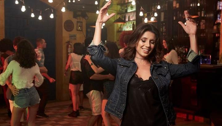 """Paula Fernandes lança o single e o clipe de """"Traidor"""", sua mais recente composição, que traz um ritmo com influências latinas 41"""