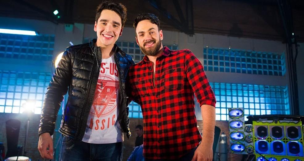 Sinésio e Henrique comemoram 'Gostozex' no Hot 100 da Billboard Brasil 66