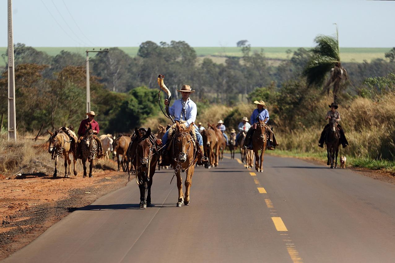 Comitiva vai cavalgar 130 quilômetros com destino à Festa do Peão de Barretos 41