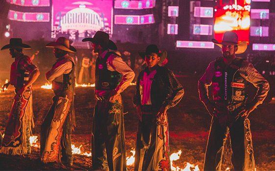 'Peão da casa', Angelo Neto brilha na primeira noite de disputas da PRCA no Jaguariúna Rodeo Festival 2017 41