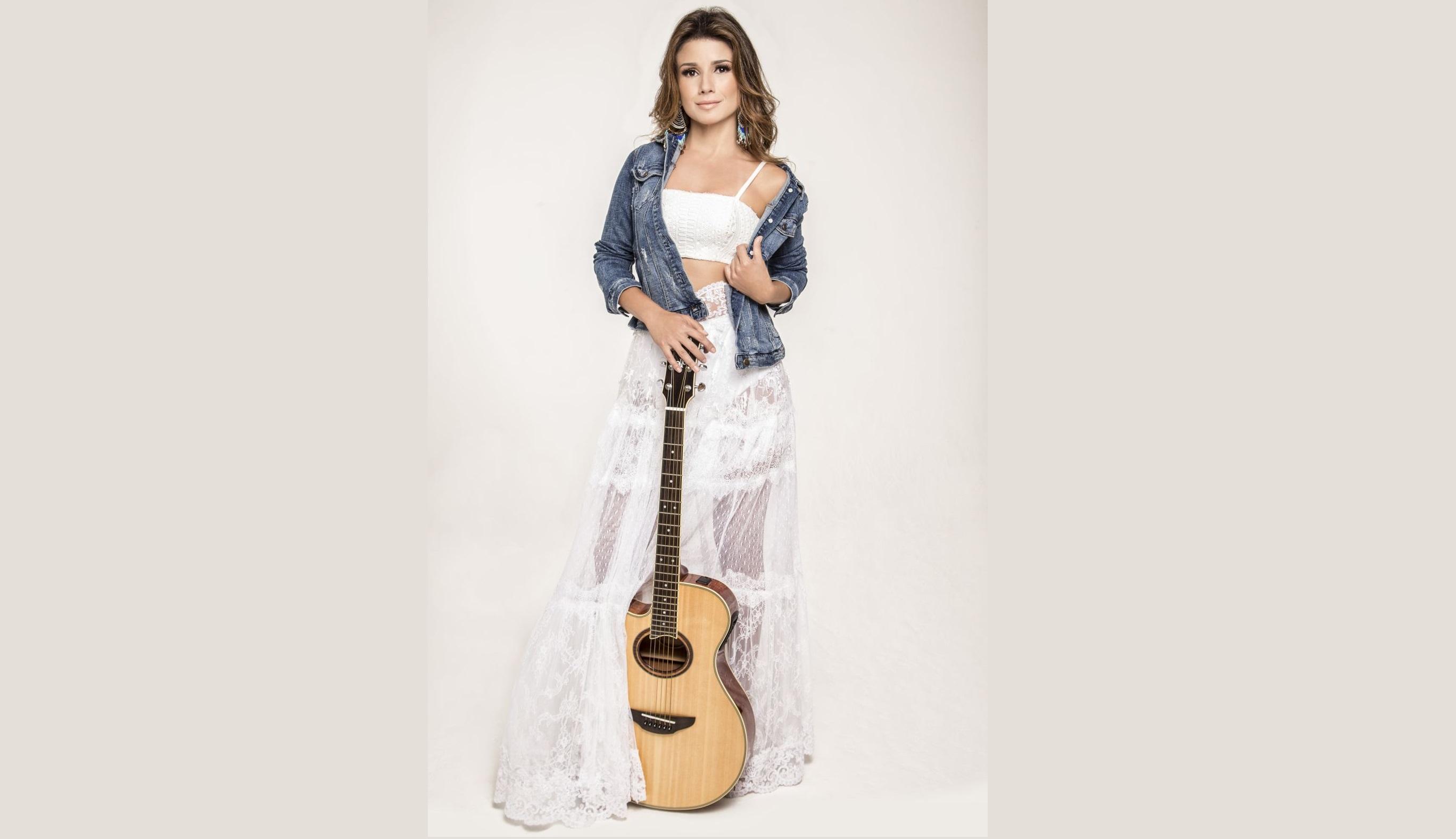 """Paula Fernandes apresenta turnê """"Acústico - Voz e Violão"""" em Natal-RN no dia 05/10 41"""