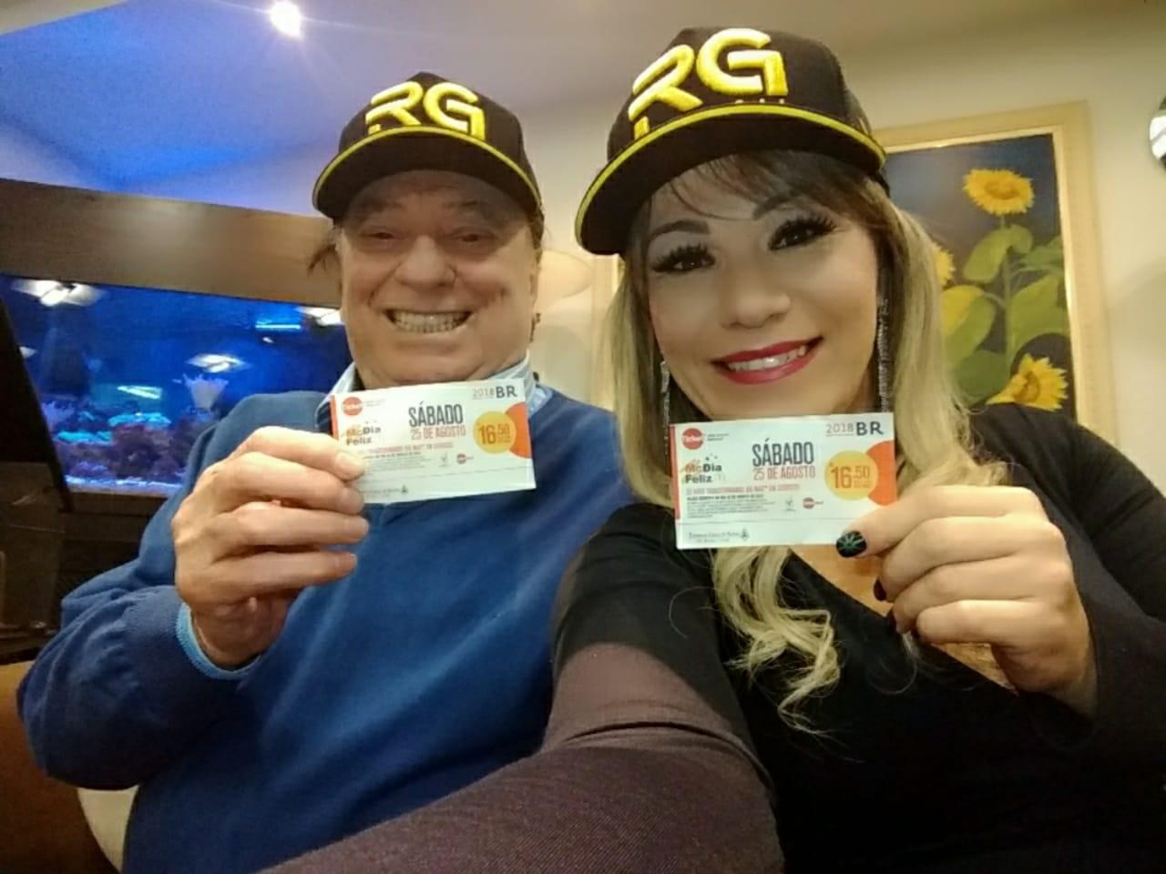 Com apoio de Raul Gil, Flavinha Cheirosa comanda MC Dia Feliz em SP 41