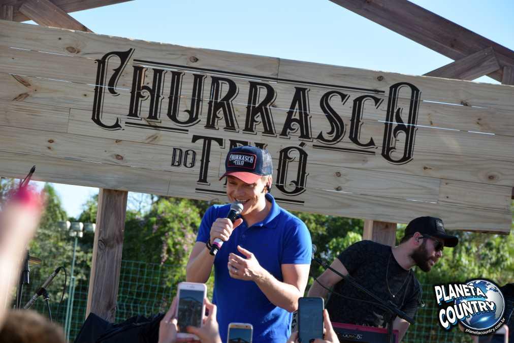 Primeira edição do 'Churrasco do Teló' aconteceu no Resort Tauá, em Atibaia, interior de São Paulo e foi sucesso de publico. 41