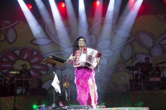 Música sertaneja: Adriana Sanchez apresenta novidades na carreira 41