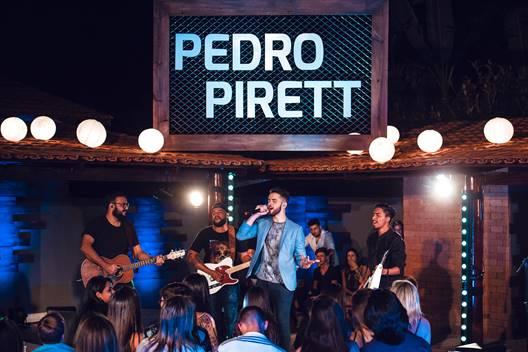 Pedro Pirett lança o primeiro single de sua carreira 41