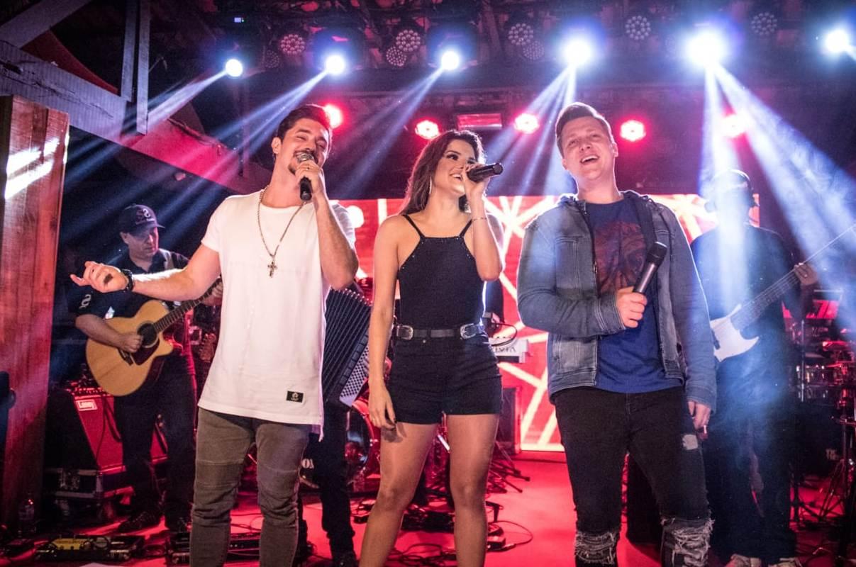 """Suellen Santos e George Henrique e Rodrigo gravam clipe da música """"Três Opções"""" 41"""