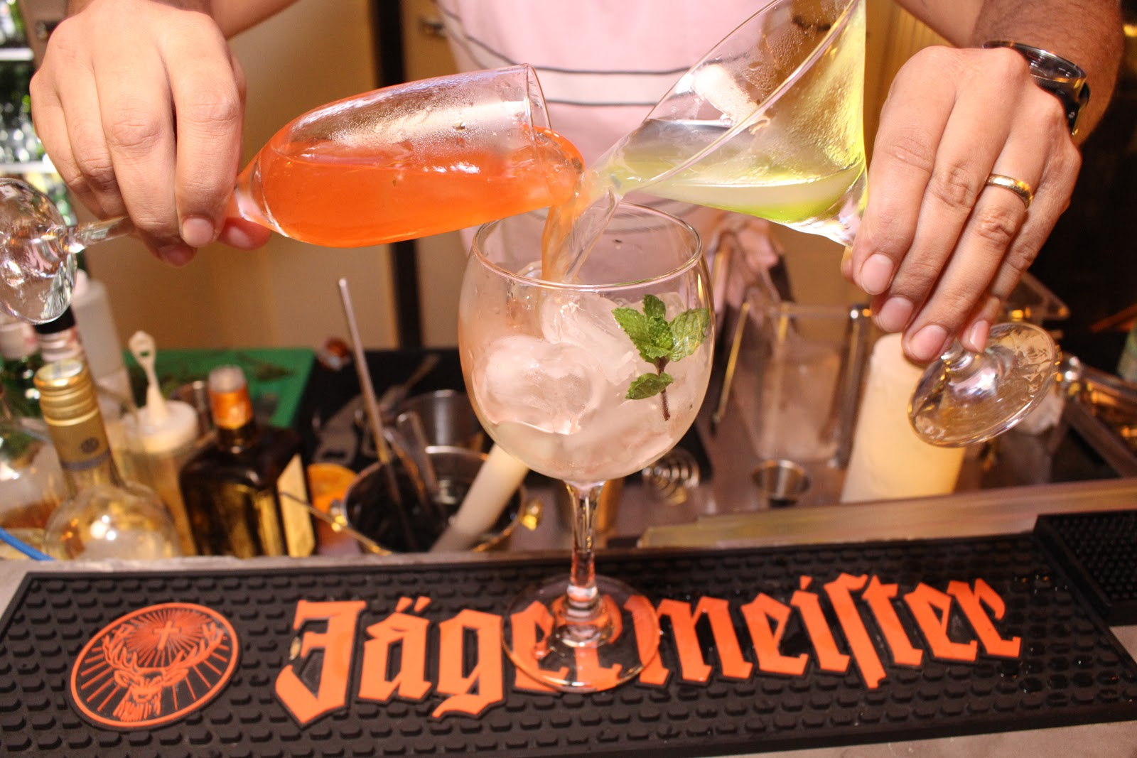 Em comemoração ao Dia do Barman, Vila 567 oferece oportunidade do cliente montar seu próprio Gin Tônica 41
