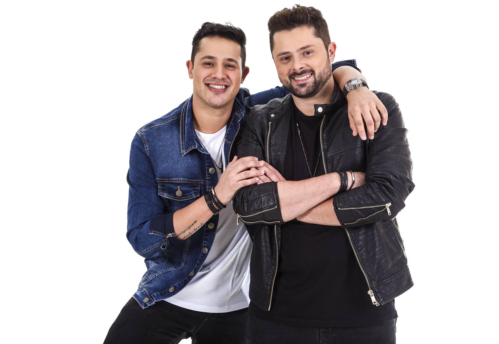 """Otávio & Raphael apresentam músicas do DVD """"As coisas como são"""" no programa Record News Rural desta sexta-feira (16) 41"""