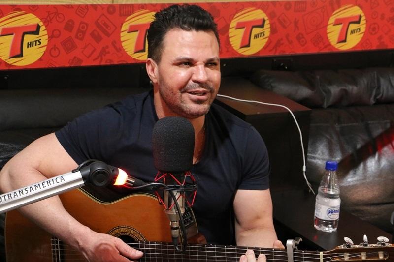 Eduardo Costa lança música com exclusividade na Rádio Transamérica 41