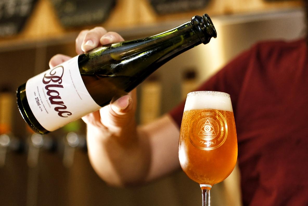 Dogma lança cerveja envelhecida em barris de vinho Cabernet 41
