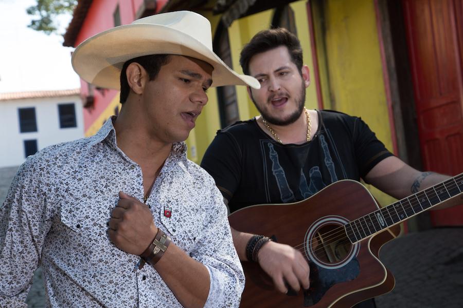 """Sertanejos Bruno Nassy e Thiago preparam CD: """"nada de sofrência"""" 41"""