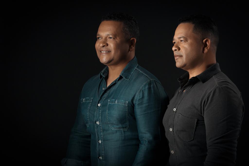 Sérgio & Manoel selam parceria com a Som Livre e lançam 'Colinho do Papai' nas rádios 41