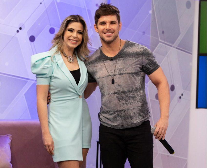 Cantor sertanejo Marcel Kogos participa do programa Mais Vida  na Rede Vida nesta segunda feira 27 41