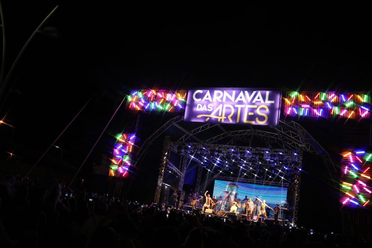 Carnaval das Artes reúne milhares de pessoas na estreia do Festival! 41