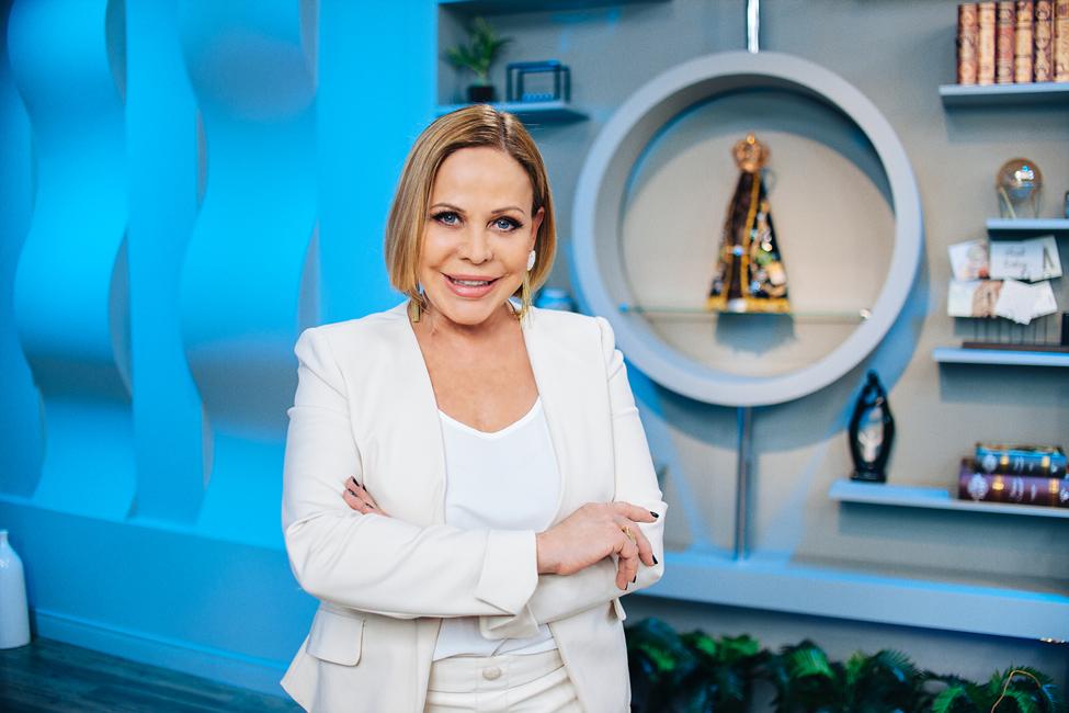Coronavírus: TV Aparecida altera programação e Claudete Troiano participa online no Santa Receita 41