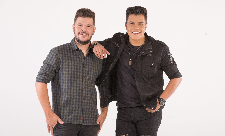 """Depois do single """"Rê"""", Paulo e Nathan lançam """"Backup"""", que dá título ao projeto 41"""