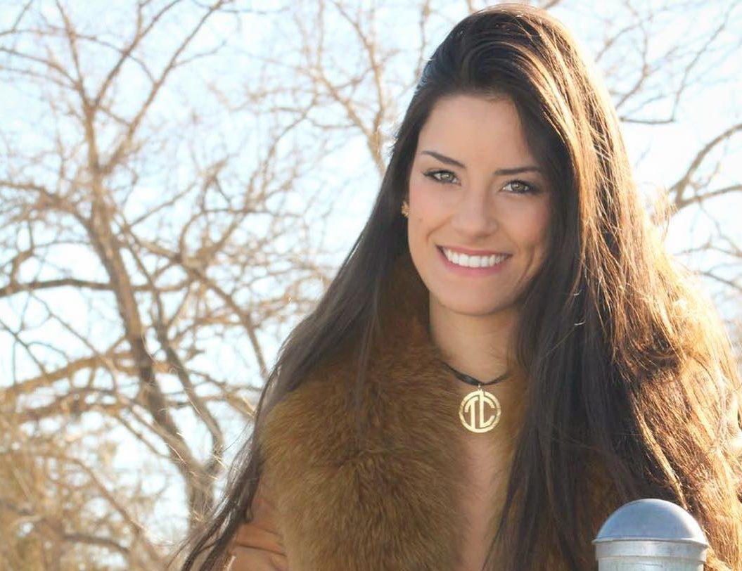 Esposa do cantor sertanejo Hudson Thayra Cadorini divulga agenda de Lives 41
