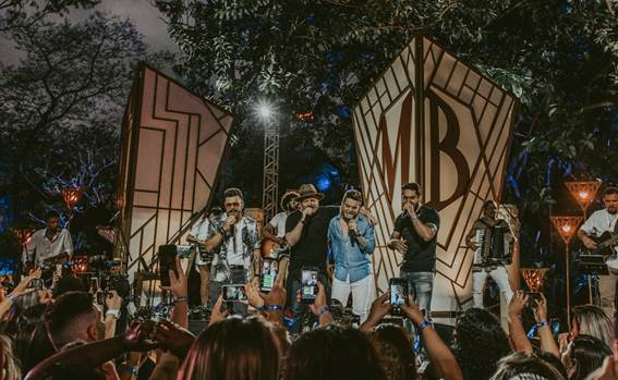 Marcos e Belutti liberam EP e fazem live com show nessa sexta 41