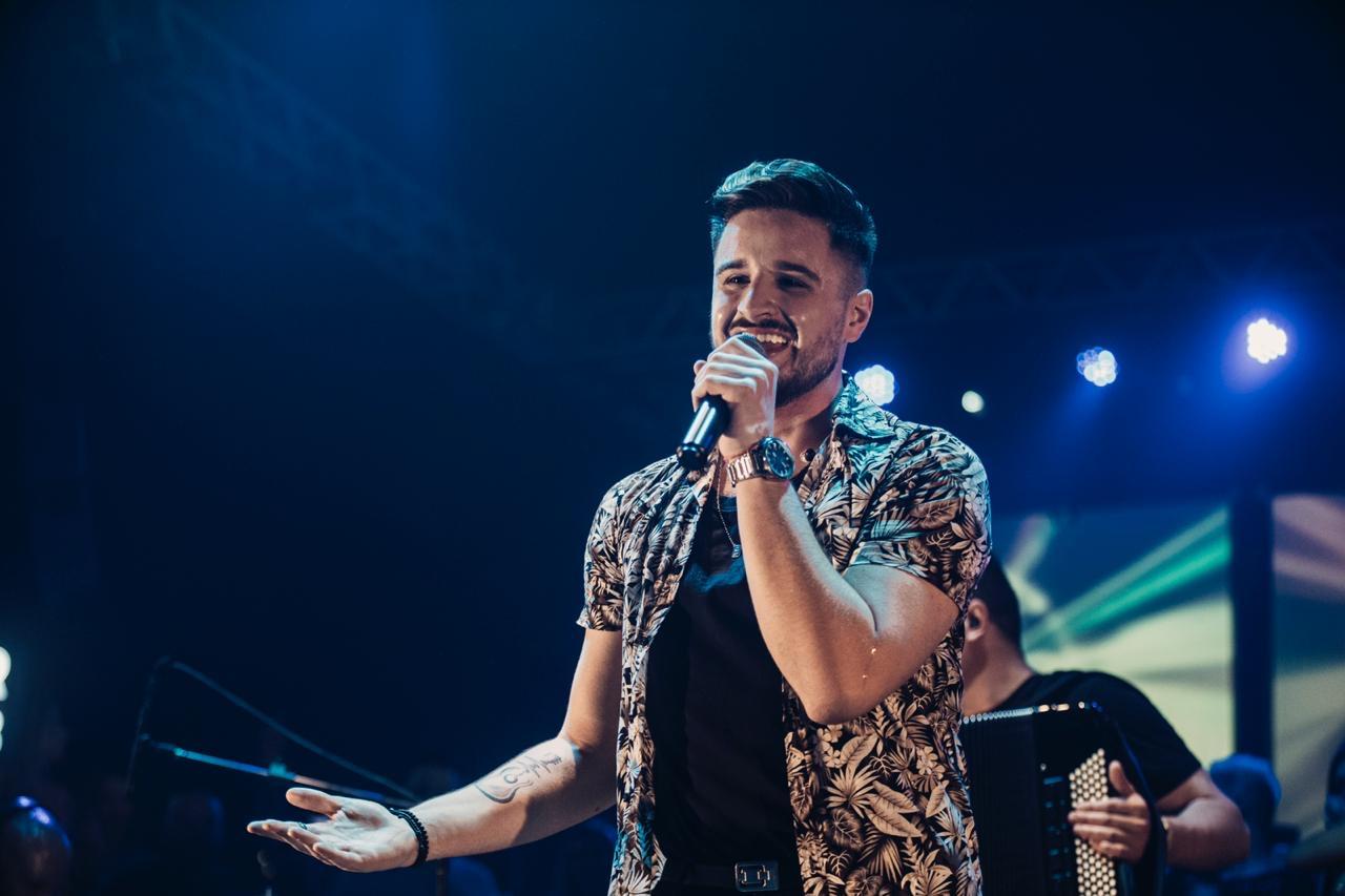 Guilherme Mecca apresenta live especial no dia 30 de maio 41