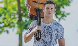 Cantor sertanejo Marcel Kogos participa de live hoje (28) 5
