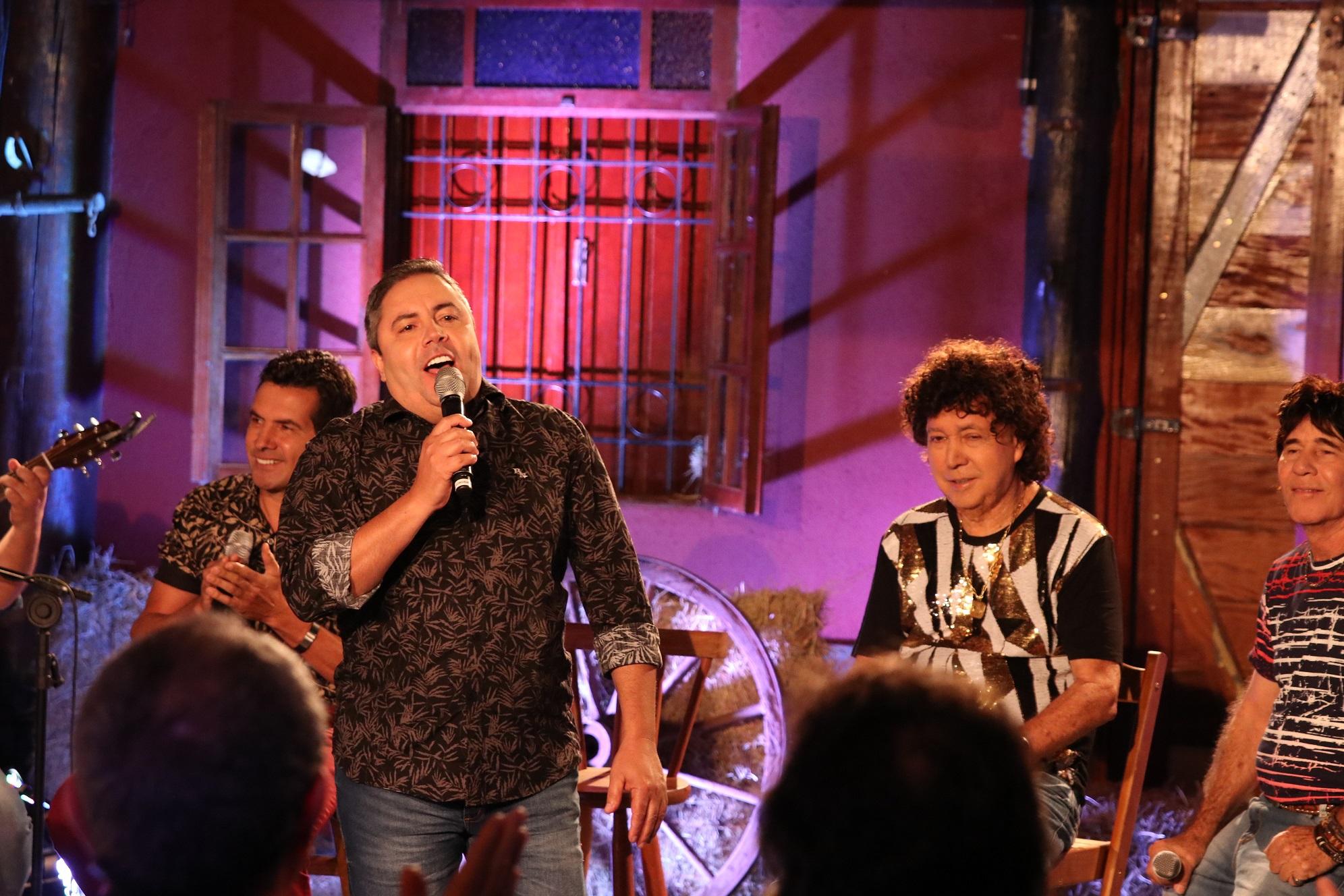 TV Aparecida exibe live sertaneja com César Galones e banda 41