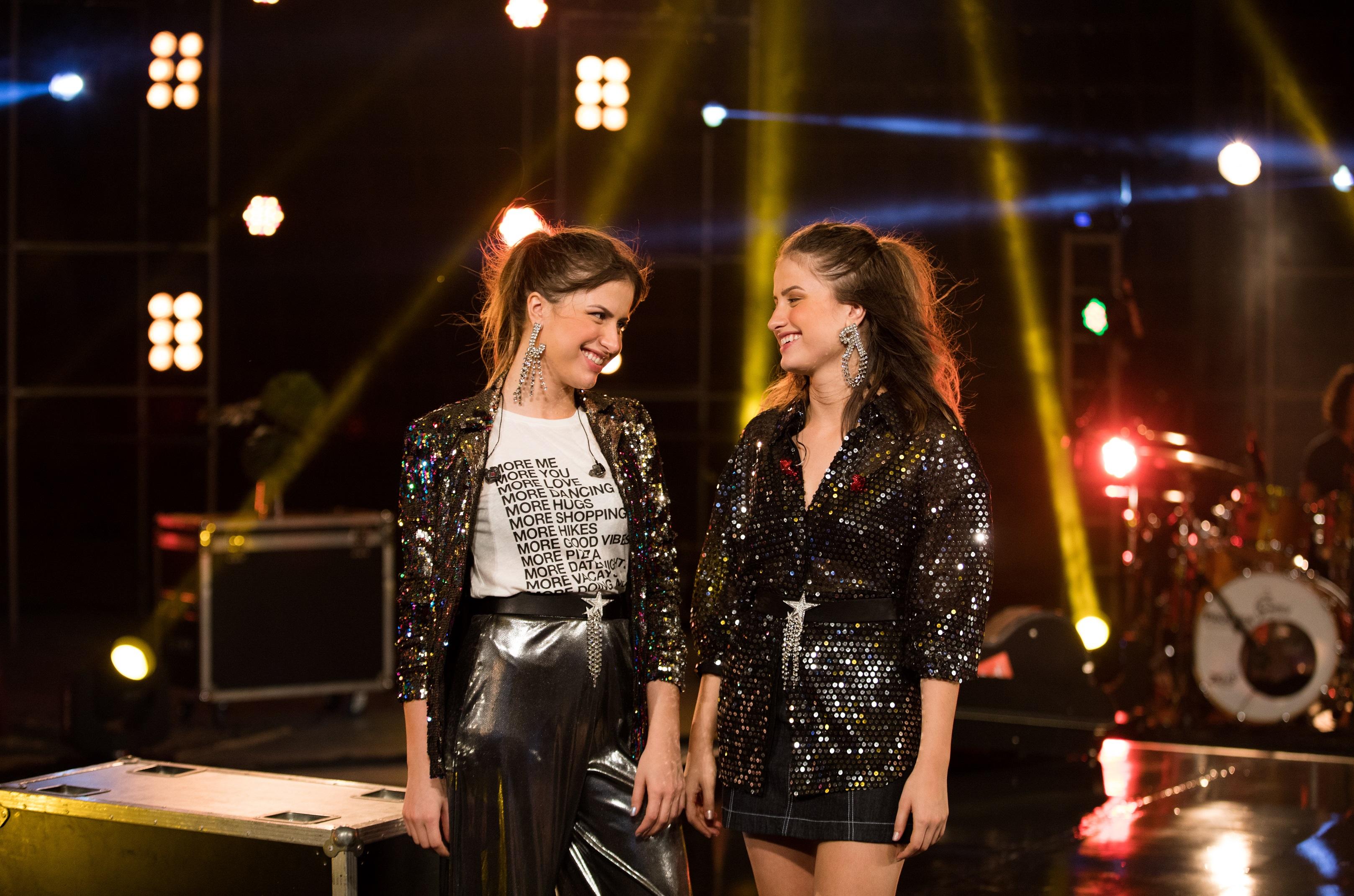 Dupla Júlia & Rafaela está entre as atrações inéditas do Aparecida Sertaneja desta terça-feira 41