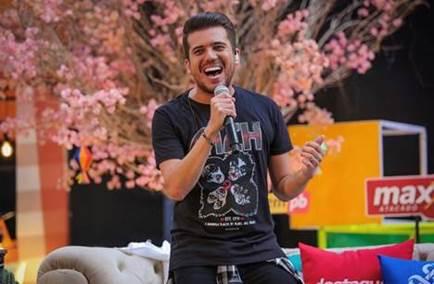 """Luan Estilizado celebra mais de oito horas de live show, com a segunda edição do projeto """"À vontade"""" 41"""