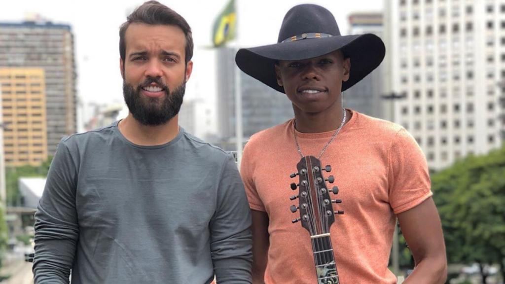 Lucas Reis e Thacio revivem Tim Maia em medley na Paulista 42