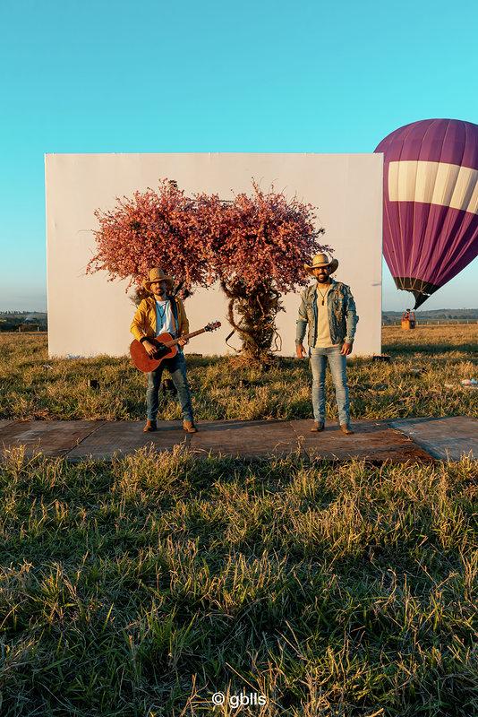 Fernando e Sorocaba lançam três clipes em véspera de live 41