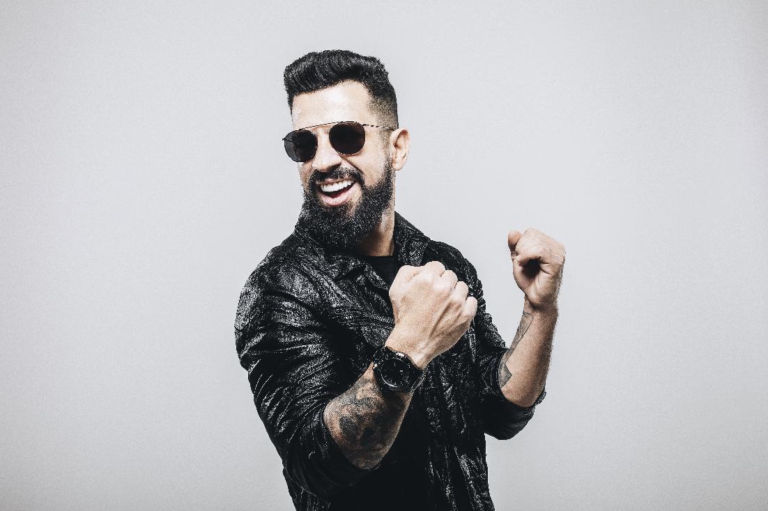 """Dennis lança remix do sucesso """"A Gente Fez Amor"""", do cantor Gusttavo Lima 42"""
