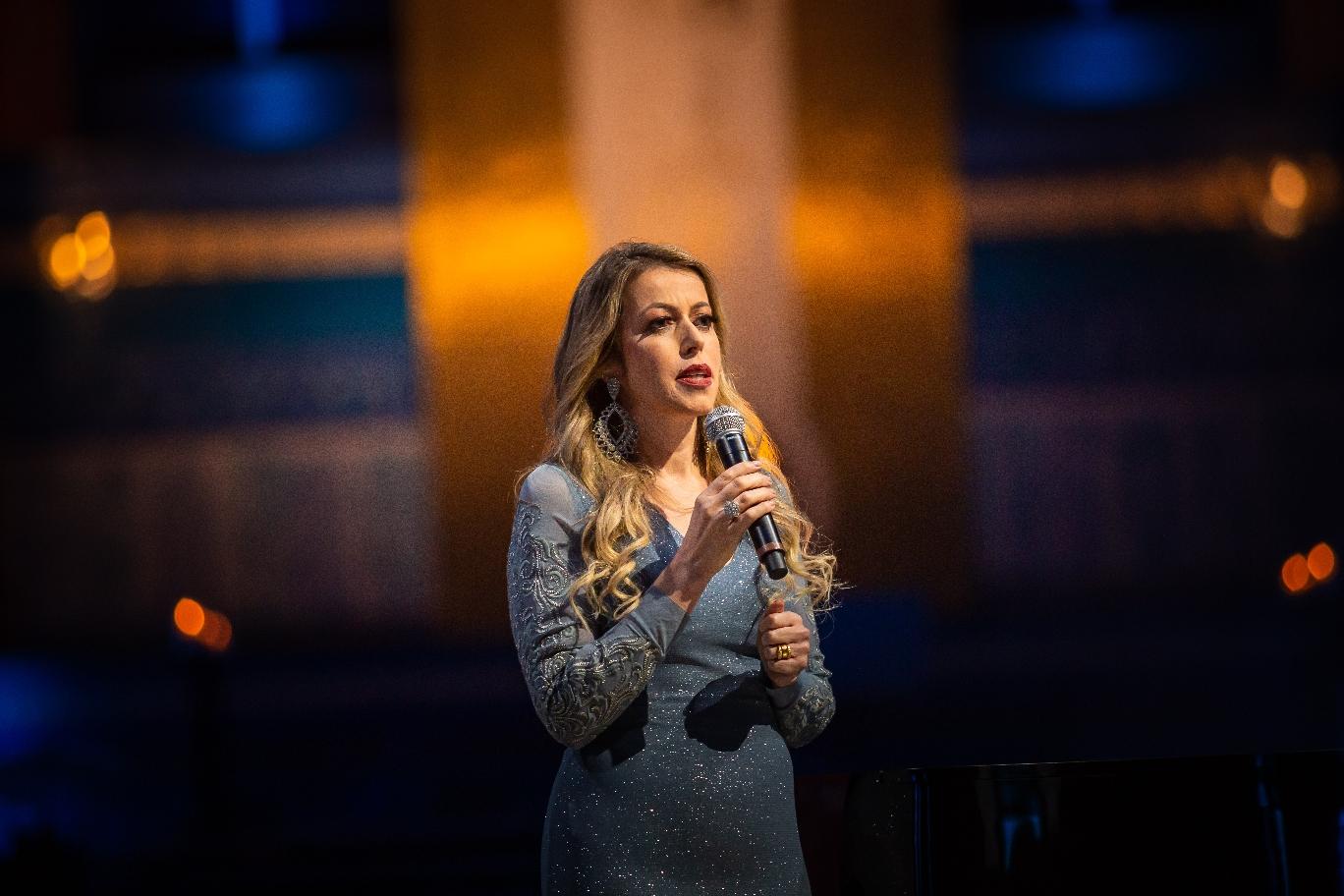 """TV Aparecida encerra temporada do """"Acordes da Esperança"""" com a cantora Adriana Arydes 42"""