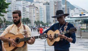 """Fãs de Raça Negra, Lucas Reis e Thacio lançam medley de """"Deus me Livre"""" e """"Cheia de Manias"""" 13"""