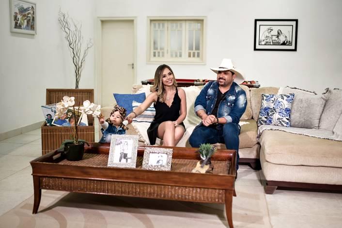 'Edson em Família': cantor Edson e Deia Cypri estreiam programa com a rotina do casal 41