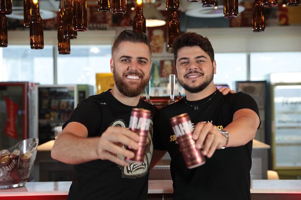 Alô, Ambev': No Dia Internacional da Cerveja, Brahma e Zé Neto e Cristiano confirmam live dentro da cervejaria 42