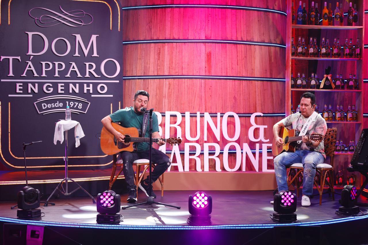 Bruno e Marrone, Jorge e Mateus e Leonardo juntos, batem 5 milhões de views 42