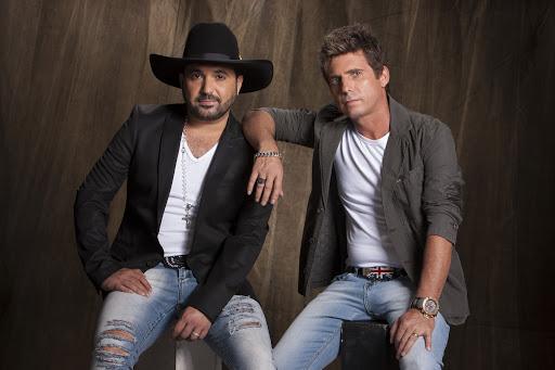 """Edson e Hudson e Zé Neto e Cristiano gravam clipe de """"Tem Base Não"""" 42"""
