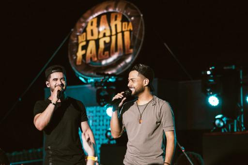 Thiago e Graciano divulgam último EP do projeto 'No Bar da Facul' 43