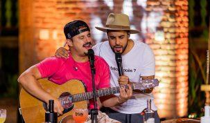 Clayton & Romário liberam dois clipes do EP O Melhor das Lives 43