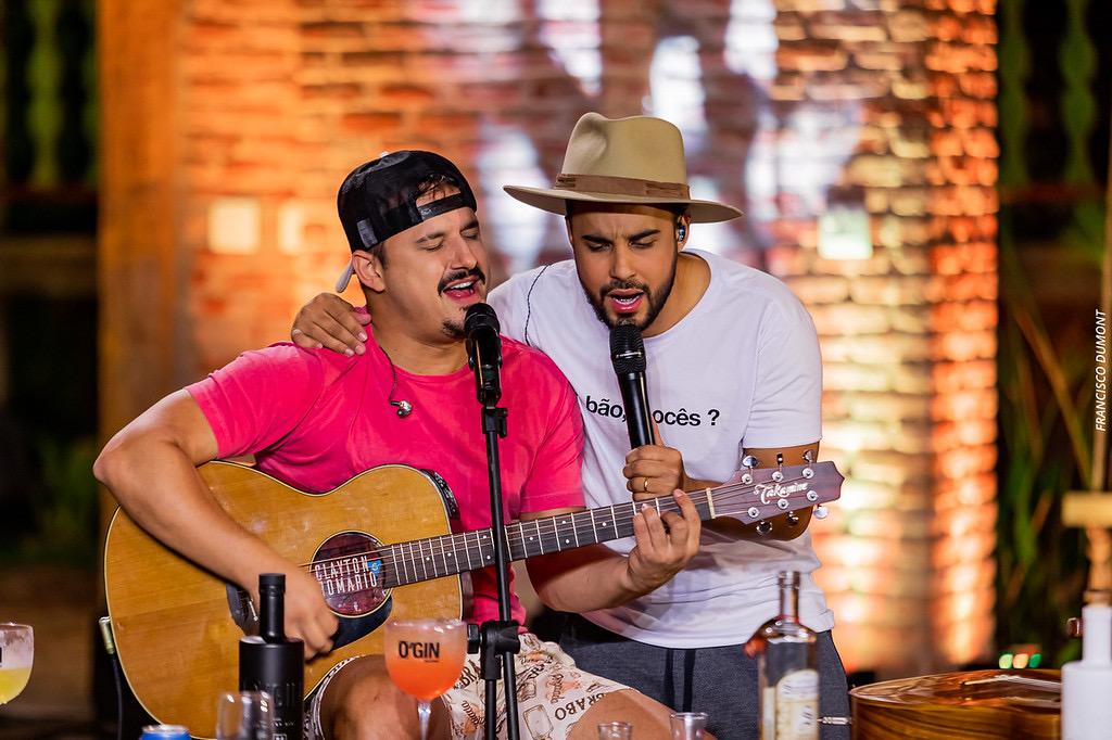 Clayton & Romário liberam dois clipes do EP O Melhor das Lives 41
