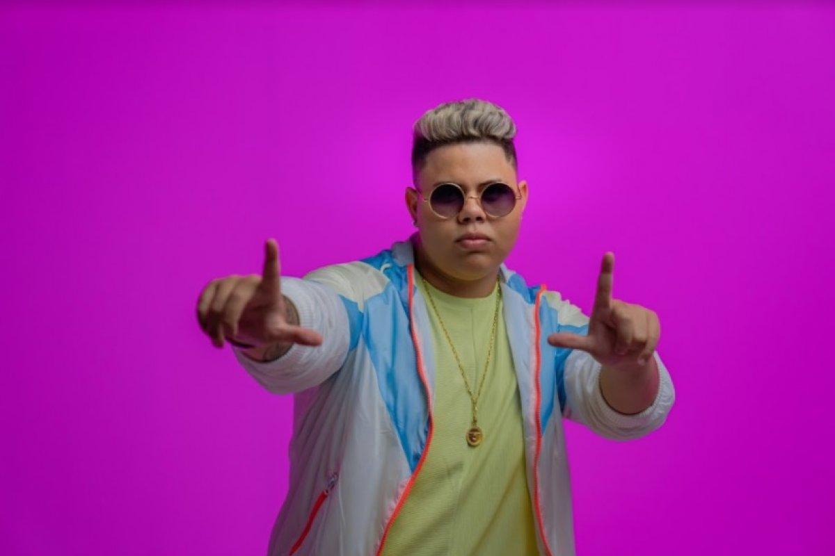 """Rogerinho estreia parceria com MC MW e DJ Pernambuco em single """"DEVAGARINHO"""" 42"""