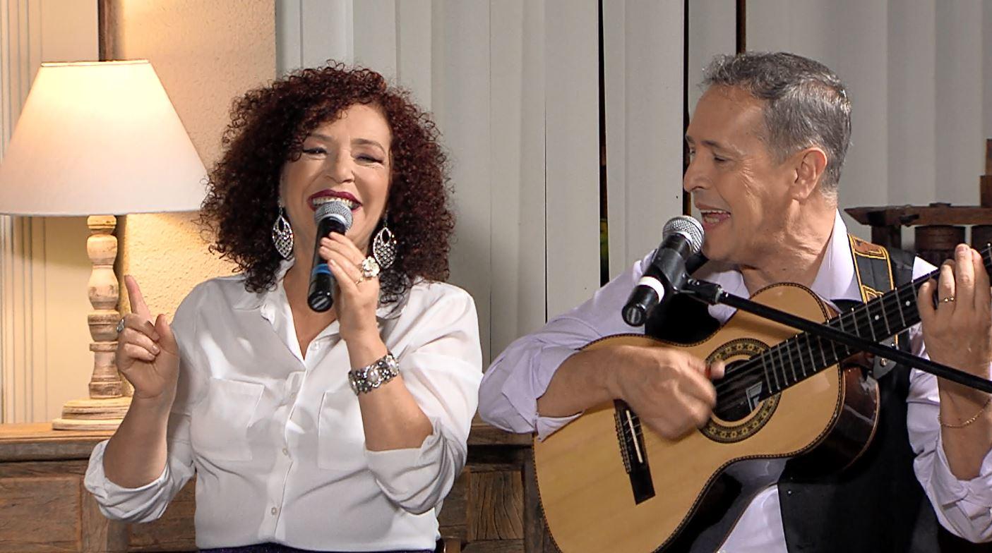 """TV Aparecida: """"Luar do Sertão"""" recebe a dupla Moacyr e Sandra nesta terça-feira 43"""