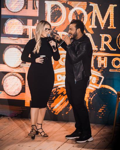 """Hit """"Carinha de BBzinha"""" consagra seu sucesso na """"Live Cabaré"""" de Leonardo 44"""