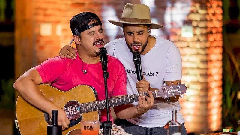 Clipes de Corazón Partío e pout-pourri de hits sertanejos são as novidades desta sexta-feira de Clayton & Romário 41
